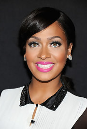 La La Anthony looked flawless at the Night of Style & Glamour event with her romantic ponytail and stunning makeup.