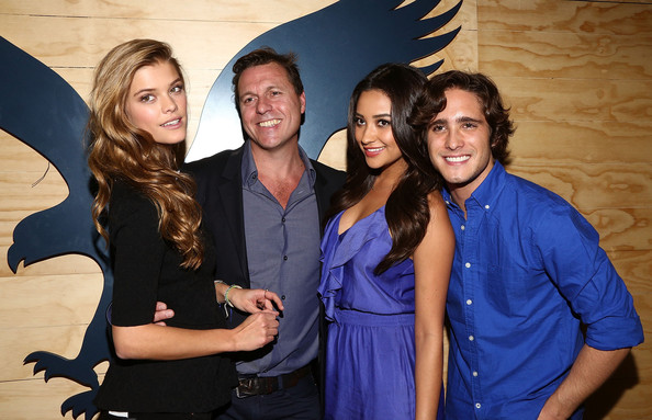 Shay Mitchell Celebrates the American Eagle Mexico City Store Opening