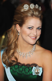 Princess Madeleine kept her makeup subdued at the Nobel Prize awarding by opting for a barely-there shade of pinkish nude for her lips.