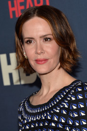 Sarah Paulson styled her short hair with a center part and wavy ends for the premiere of 'The Normal Heart.'