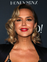 Arielle Kebbel rocked vintage-glam curls at the launch of Nicole Richie's Honey Minx collection.