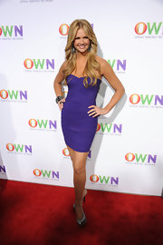Nancy O'Dell sizzled in a pair of silver platform slingbacks.