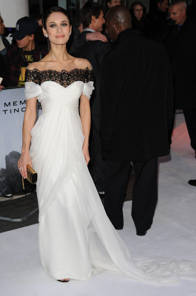 Olga Kurylenko\'s Wedding-Worthy Premiere Gown - Celebrity Style ...