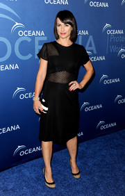 Constance Zimmer attended the Oceana Partners Awards Gala wearing a modern mesh-panel LBD.