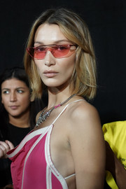 Bella Hadid sported a simple short, straight cut at the Off-White Spring 2020 show.