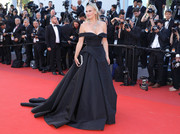 Molly Sims oozed classic glamour wearing this black off-the-shoulder ball gown by Christian Siriano at the Cannes Film Festival screening of 'Okja.'