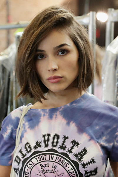 Olivia Culpo Bob [hair,face,hairstyle,eyebrow,beauty,brown hair,shoulder,chin,blond,lip,olivia culpo,zadig,voltaire,voltaire - backstage,cedar lake,new york city,new york fashion week,fashion show]