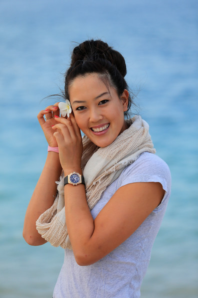 More Pics of Michelle Wie Solid Scarf (1 of 34) - Michelle Wie Lookbook - StyleBistro