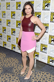 Lana Parrilla's dress mixed edgy and feminine with it's ox blood leather bodice and asymmetrical blush skirt.