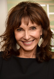 Mary Steenburgen attended the NYC screening of 'The One I Love' wearing shoulder-length curls with wispy bangs.