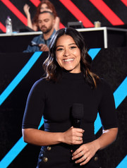 Gina Rodriguez kept it simple in a fitted black turtleneck at the 'One Voice: Somos Live!' concert.