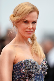 Nicole Kidman looked oh-so-lovely wearing her hair in a twisted side braid during the 'Grace of Monaco' premiere.
