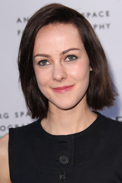 Jena Malone opted for a casual bob when she attended the opening of 'Beauty Culture.'