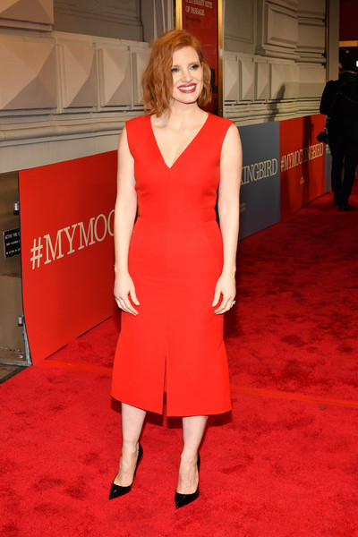More Pics of Jessica Chastain Midi Dress (5 of 11) - Dresses & Skirts Lookbook - StyleBistro [red carpet,clothing,dress,carpet,red,shoulder,cocktail dress,fashion model,flooring,premiere,to kill a mocking bird,broadway,new york city,shubert theatre,jessica chastain]