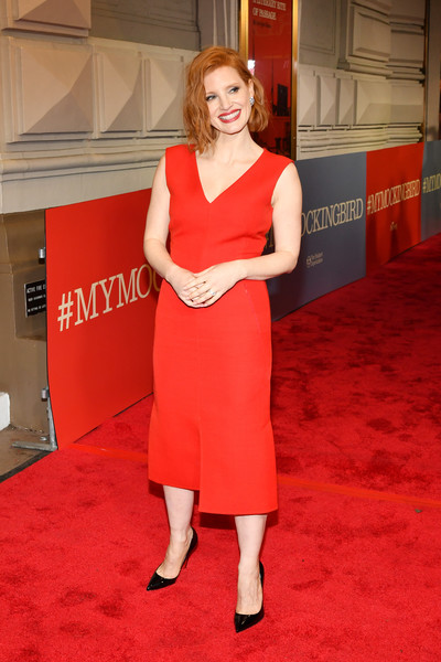 More Pics of Jessica Chastain Midi Dress (4 of 11) - Dresses & Skirts Lookbook - StyleBistro [red carpet,carpet,flooring,red,clothing,dress,shoulder,premiere,blond,cocktail dress,to kill a mocking bird,broadway,new york city,shubert theatre,jessica chastain]
