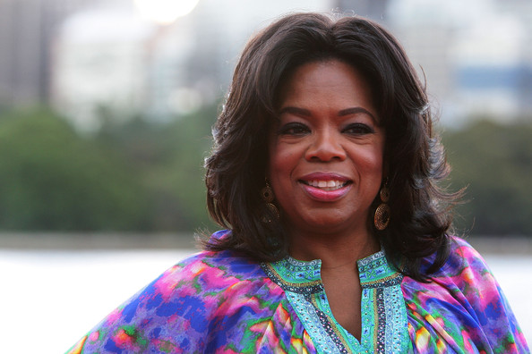 Oprah Winfrey sported feathery waves when she attended a party at the Royal Botanic Gardens in Sydney.