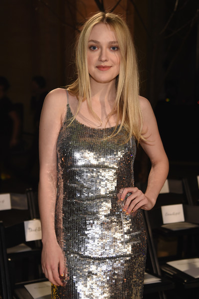 More Pics of Dakota Fanning Blazer (4 of 9) - Dakota Fanning Lookbook - StyleBistro