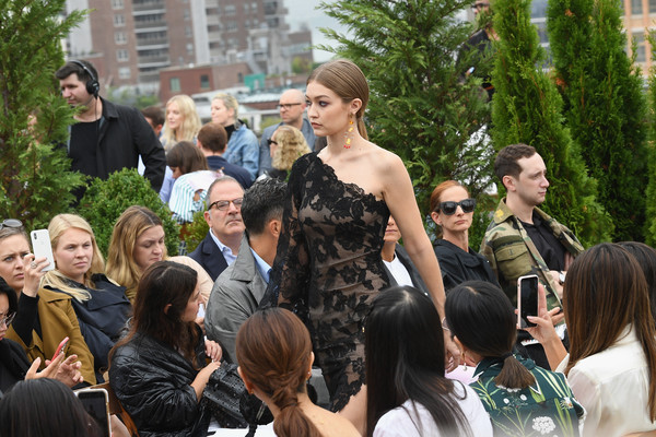 More Pics of Gigi Hadid Evening Sandals (1 of 9) - Heels Lookbook - StyleBistro [shows,the shows,people,event,fashion,crowd,community,fun,tree,dress,ceremony,performance,oscar de la renta,gigi hadid,oscar de la renta - runway,runway,spring studios terrace,new york city,new york fashion week]