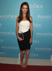 Katie Holmes teamed her chic black-and-white Max Mara dress with tan suede bow-adorned Poppy pumps.