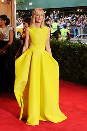 Joely Richardson's sunshine yellow gown gave the actress a bold look on the red carpet at the 2013 Met Gala.