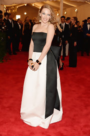Kylie Minogue chose a black-and-white gown with a beautiful bow embellishment for her look at the Met Gala.