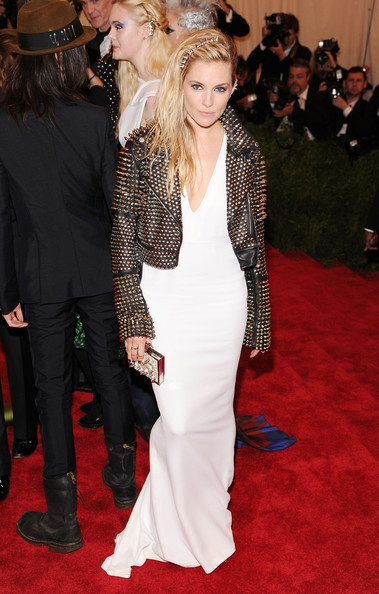 More Pics of Sienna Miller Evening Dress (1 of 10) - Sienna Miller Lookbook - StyleBistro