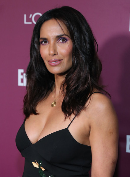 Padma Lakshmi Medium Wavy Cut [red carpet,hair,hairstyle,eyebrow,beauty,black hair,long hair,brown hair,layered hair,little black dress,dress,padma lakshmi,sunset tower,west hollywood,california,entertainment weekly,party,entertainment weekly pre-emmy party]