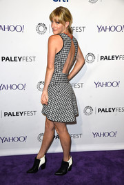 Heather Morris opted for a pair of two-tone ankle boots to complete her look.