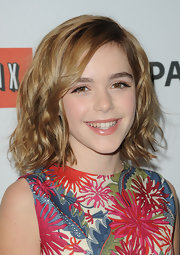 Kiernan Shipka attended PaleyFest 2012 wearing hair in glossy tousled waves.