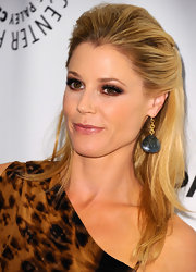 Julie Bowen wore her hair in a sexy half-up style at PaleyFest 2012.