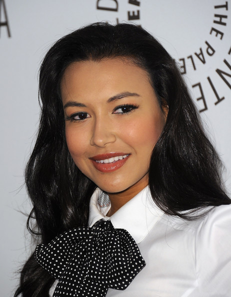 Naya Rivera showed off sparkling gloss while at a 'Glee' event. The nude hue was the perfect way to highlight her bronzed look.