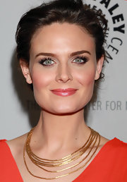 "Actress Emily Deschanel attended An Evening with ""Bones"" wearing a Fluid Gold necklace in brushed 18-karat yellow gold."