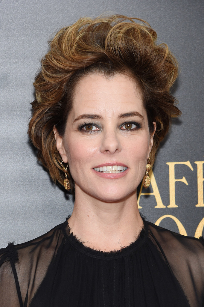 Parker Posey Short Wavy Cut Short Wavy Cut Lookbook