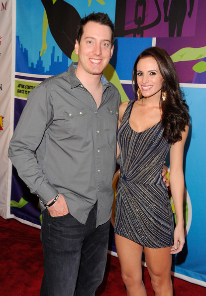 Kyle kept it casual on the red carpet with a classic jeans-and-sport-shirt combo.