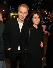 Patty Smyth looked elegantly retro in a beaded black evening coat with a Peter Pan collar.