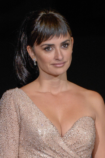 Penelope Cruz Ponytail [loving pablo photocall,hair,face,hairstyle,eyebrow,lip,beauty,chin,shoulder,skin,brown hair,loving pablo,penelope cruz,photocall,san sebastian,spain,san sebastian film festival]