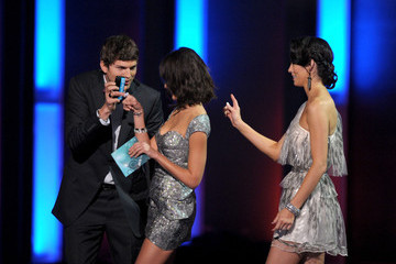 Jessica Alba Ashton Kutcher People's Choice Awards 2010 - Show