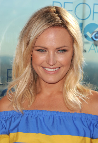 More Pics of Malin Akerman Medium Wavy Cut (1 of 38) - Medium Wavy Cut Lookbook - StyleBistro