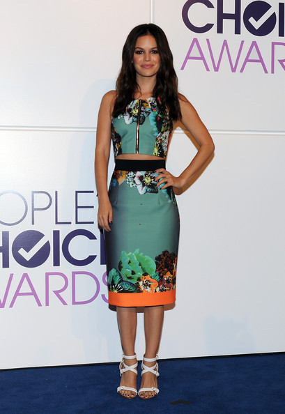 Rachel Bilson completed her ultra-stylish look with a pair of white strappy sandals by Givenchy.
