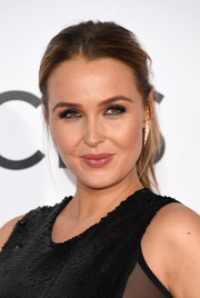 Camilla Luddington opted for an edgy-chic ponytail when she attended the 2017 People's Choice Awards.