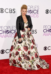 Jodie Sweetin gave her ultra-feminine gown an edgy boost with a black leather jacket by LPC Collection.
