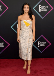 Camila Mendes looked charming in a pale pink Etro dress that featured a whimsical print and a bright yellow accent at the 2018 People's Choice Awards.