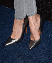 Noureen DeWulf finished off her look in glam style with a pair of silver pointy pumps when she attended the People StyleWatch Denim Awards.