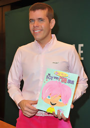 For the 'Boy with Pink Hair' book signing, Perez Hilton wore--what else--an all-pink ensemble consisting of a button-down and shorts!