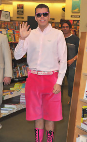 To complete his sugary combo at his book signing, Perez Hilton wore these pink-framed wayfarers.