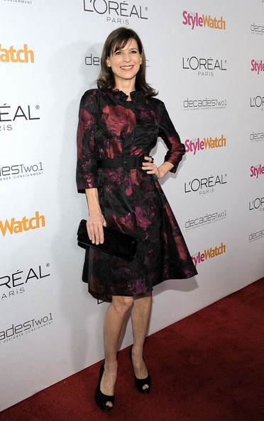 Perrey Reeves Evening Coat [a night of red carpet style,clothing,dress,cocktail dress,fashion model,carpet,red carpet,fashion,little black dress,footwear,flooring,red carpet,perrey reeves,california,los angeles,people stylewatch hosts,people stylewatch]