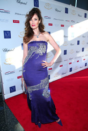 Carol Alt made an appearance at the 2017 Graduation Gala wearing an embroidered indigo strapless gown.