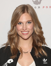 Amanda Lund showed off perfect waves at the premiere of 'The Pistol Shrimps.'