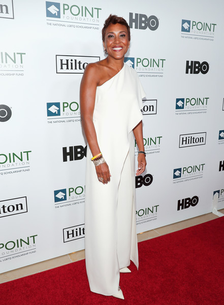 Robin Roberts looked divine in a white one-shoulder jumpsuit at the Point Honors Los Angeles 2016.