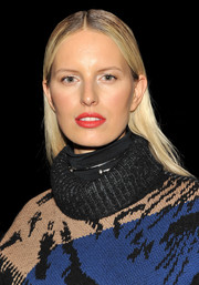 Karolina Kurkova wore her hair slicked down with a center part when she attended the Prabal Gurung fashion show.